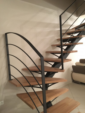 escalier ysos quartier tournant ysofer. Black Bedroom Furniture Sets. Home Design Ideas