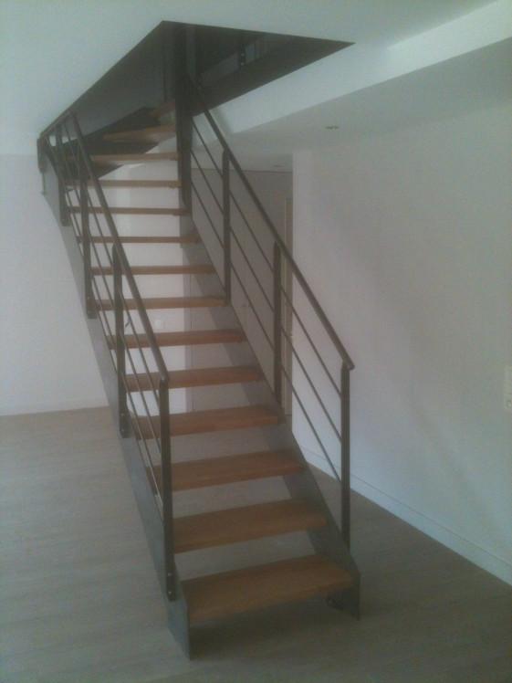 Ysodeco escalier droit metal et bois ysofer - Escalier droit metal ...