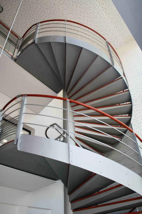 Ysoman escalier h lico dal m tal ysofer for Norme escalier exterieur public