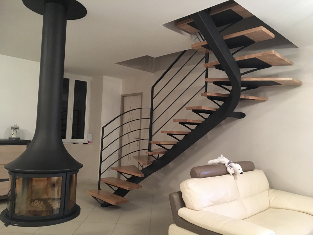 awesome photo escalier quart tournant gallery. Black Bedroom Furniture Sets. Home Design Ideas